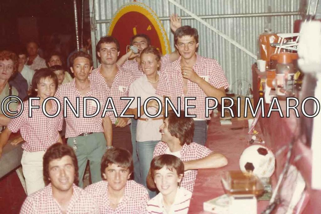 Da-sinistra-in-basso-Willer-Coatti,-Claudio-Roi,-Monica-Guerra,-Roberto-Raggi,-Samuele-e-Giuliano-Natali,-,-Iref-Ricci,-Claudia-Pasi,-Franco-Gennari,-Franco-Panizza