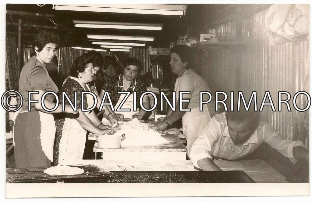 Festa de L'Unità 1977. Da sinistra Alba, Teresa , Silvana, Cristina  e Guglielmo
