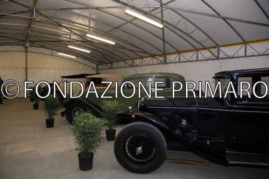 Foto-1Sagra-Antichi-Sapori-2012-Mostra-auto-e-moto-d'epoca-della-collezione-Righini