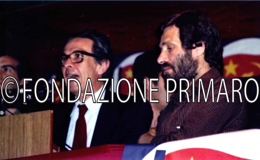 Giugno-1981-Comizio-di-Enrico-Berlinguer-durante-la-campagna-ellettorale-a-Palagonia-(CT)-dove-la-sezione-del-PCI-era-gemellata-con-quella-di-Filo