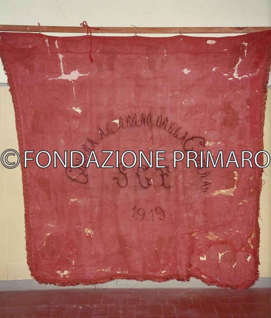 La-vecchia-bandiera-della-Gioventù-Socialista-di-Filo