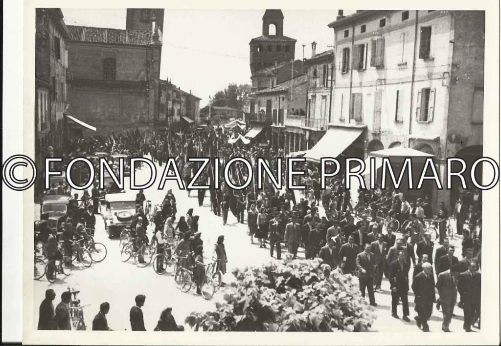Molinella-Maggio-1949-Funerale-di-Maria-Margotti-(2)